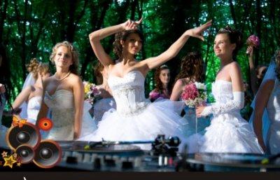 DJ на свадьбе, идея что надо!
